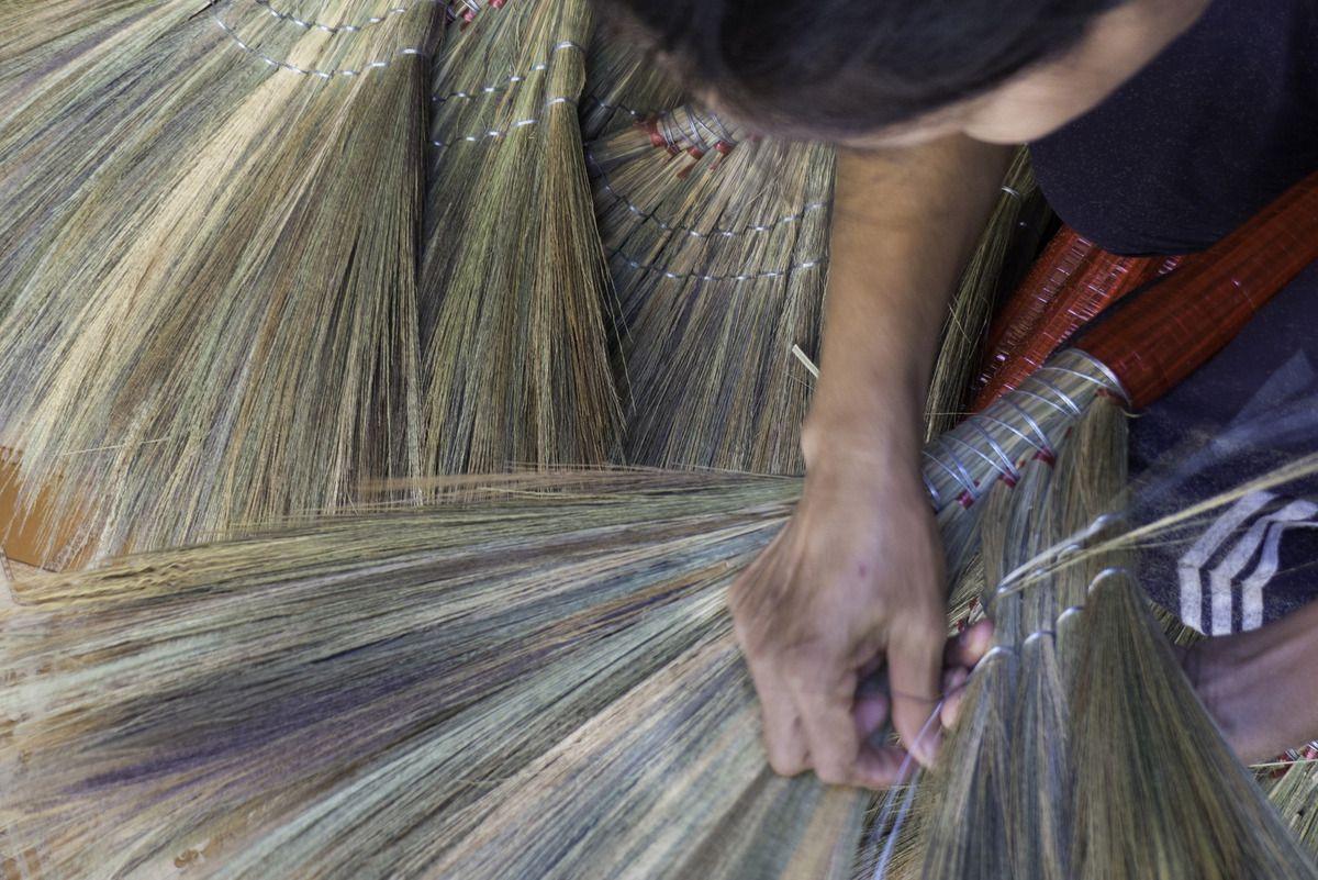 VIETNAM : SAIGON - DU BALAI !