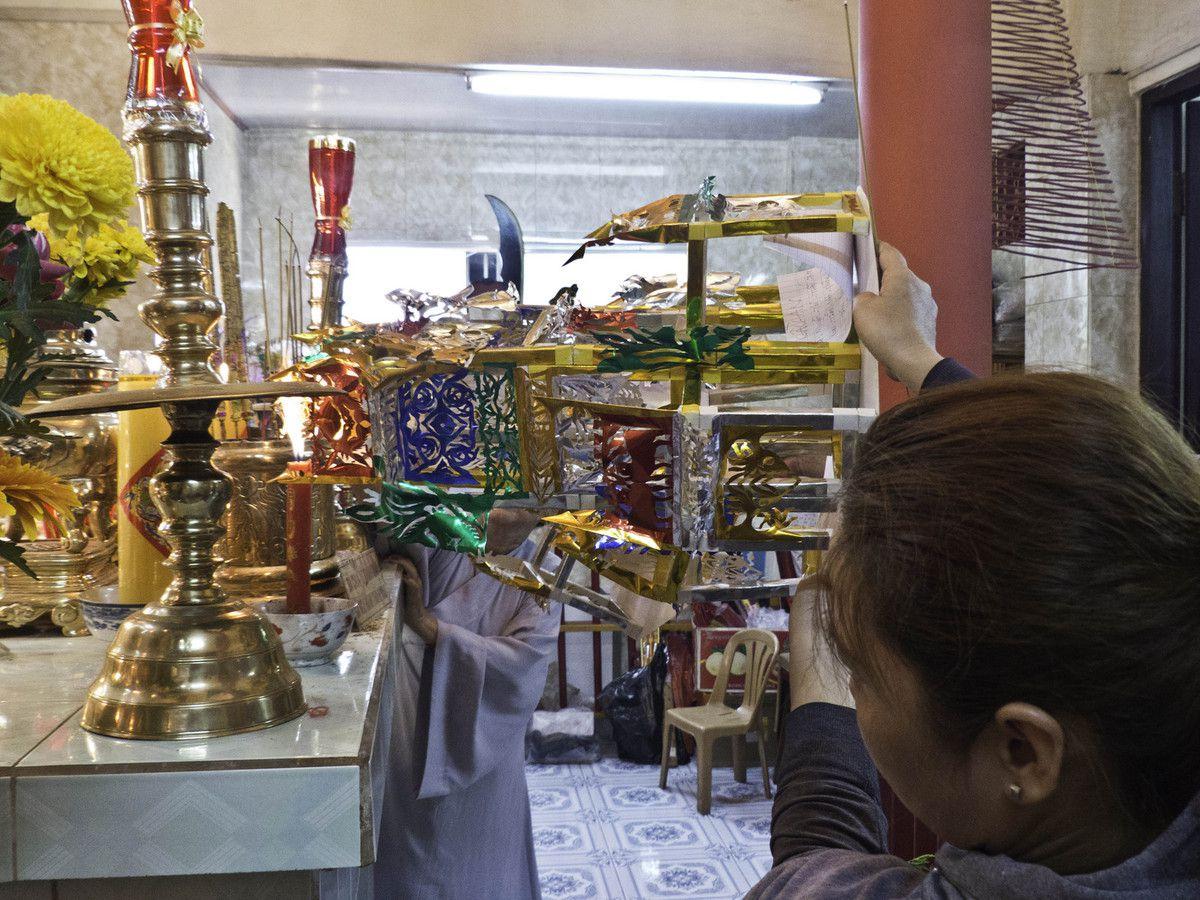 VIETNAM : SAIGON - PARTY CHEZ LA GRANDE DEESSE-MERE - 2