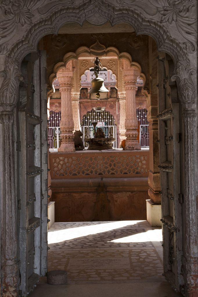 Le lac aux cénotaphes : Inde - Rajasthan - Dolphur 2 - Lac de Machkund