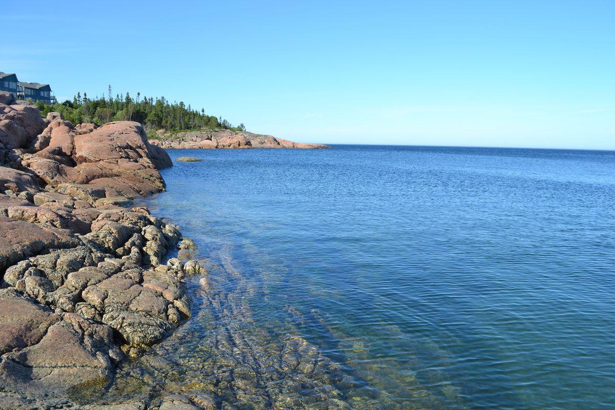 face au Saint Laurent, la vue était magnifique surtout quand parfois, des baleines passaient leurs tête à la surface de l'eau! magique je vous dis! ♥