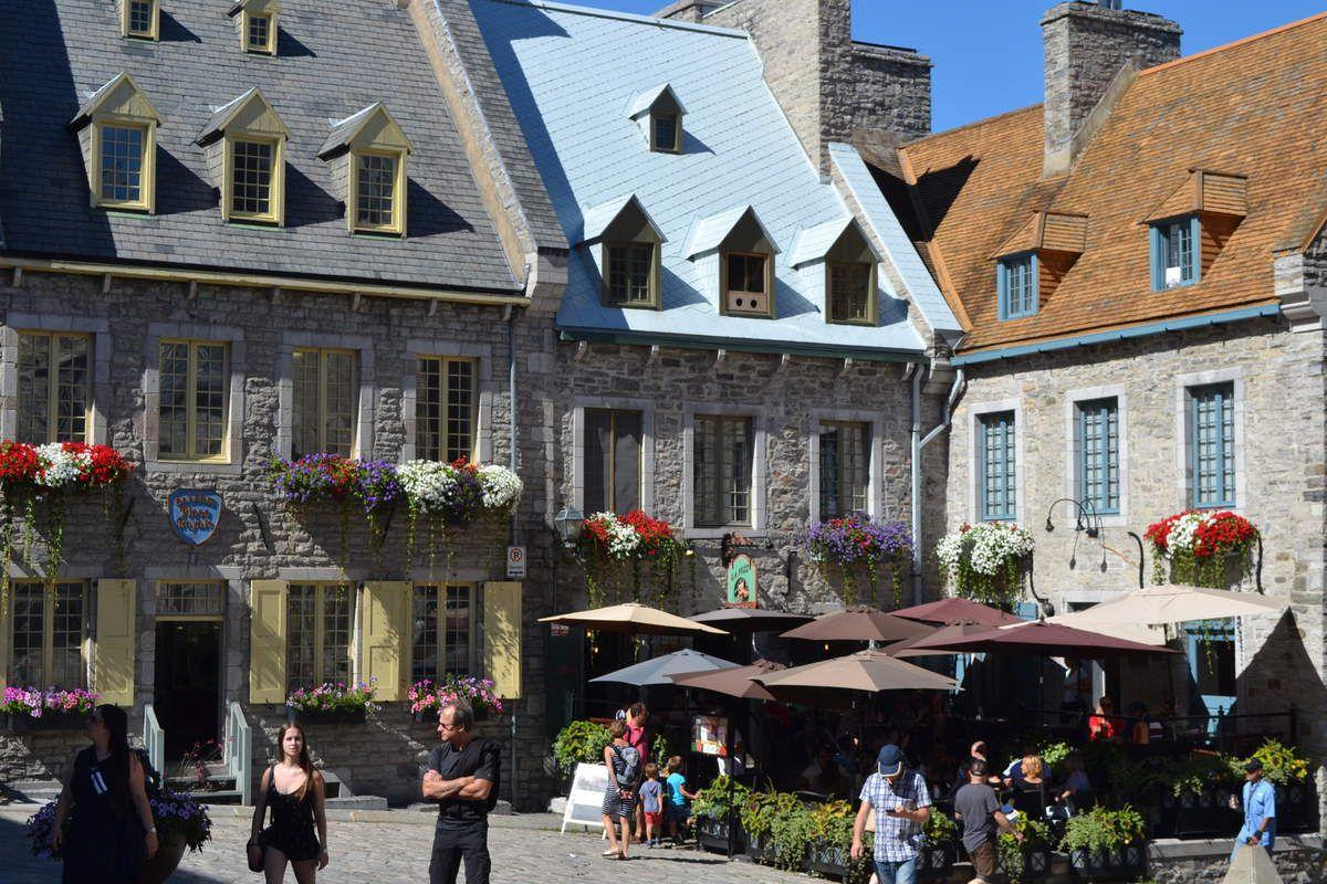 la tradition, les petite maisons et les quartiers à taille humaine constituent Québec! pas de gratte ciel ou d'énorme building en vue!