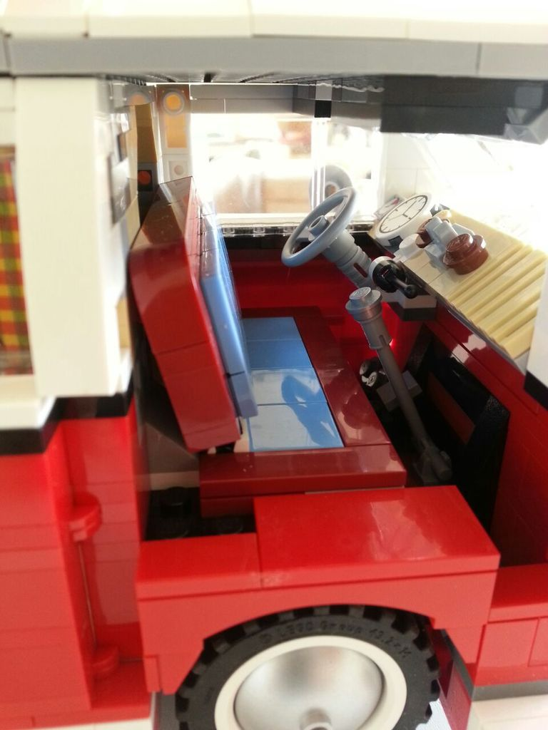 le combi vw en lego le train au 1 87 de serge julienne. Black Bedroom Furniture Sets. Home Design Ideas