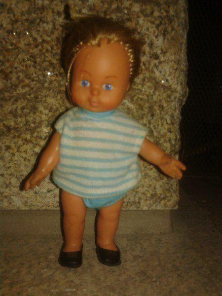 Petite poupée Furga de 14 cm. Inscription sur la nuque 1967.