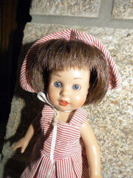 Petite poupée de 20 cm Mariquita Perez en tenue d'origine