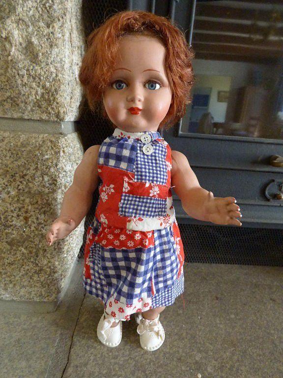 Petite Bella rodhoïd de 46 cm avec sa grande soeur de 50 cm. Perruque collée