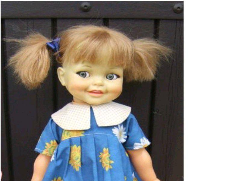 GIGGLES Américaine Ideal Doll Baptisée Gwendoline. Confidence avec Jo