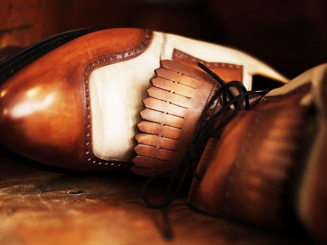Le soulier de golf, par Berluti. En toute simplicité.