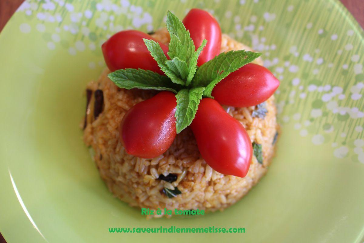 Riz à la tomate parfumé à la menthe