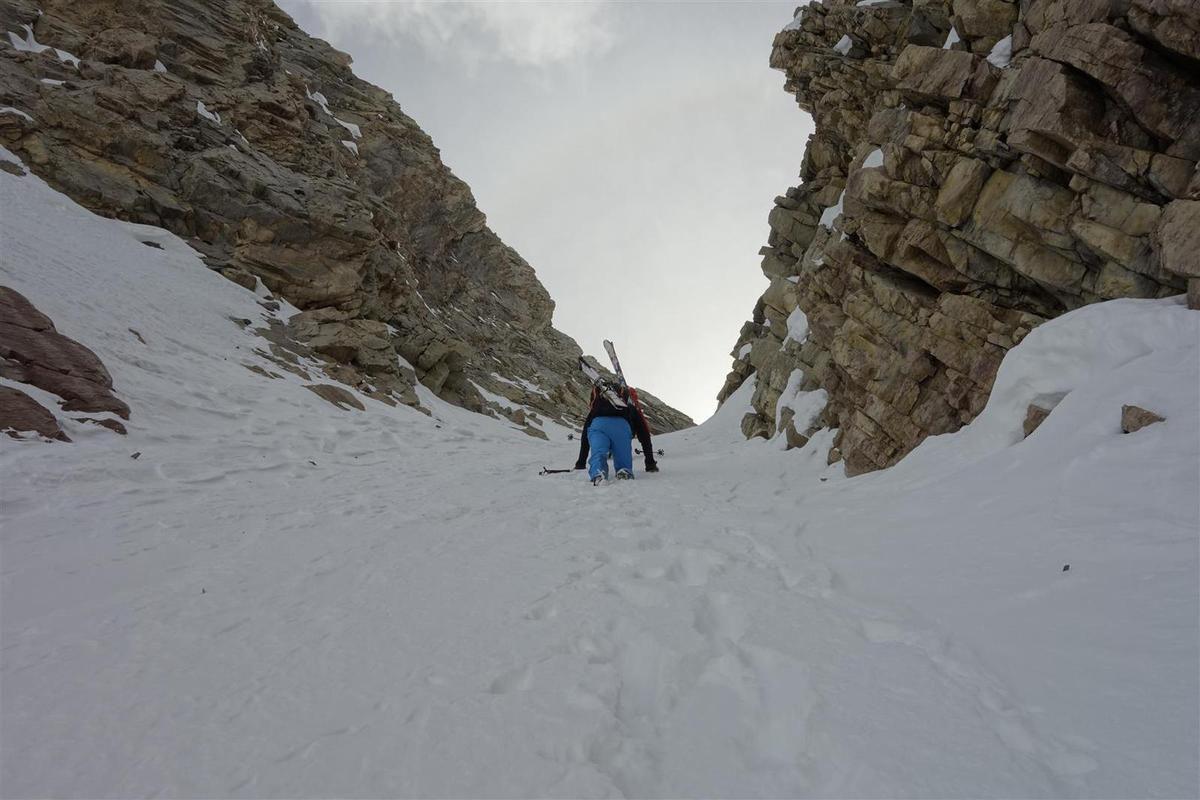 ski de couloir à la Font Sancte