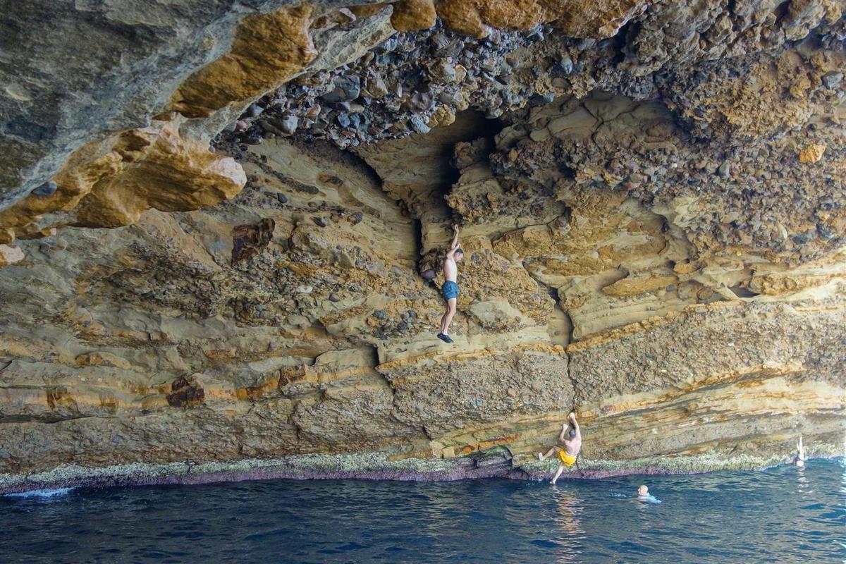 traversées dans la grotte