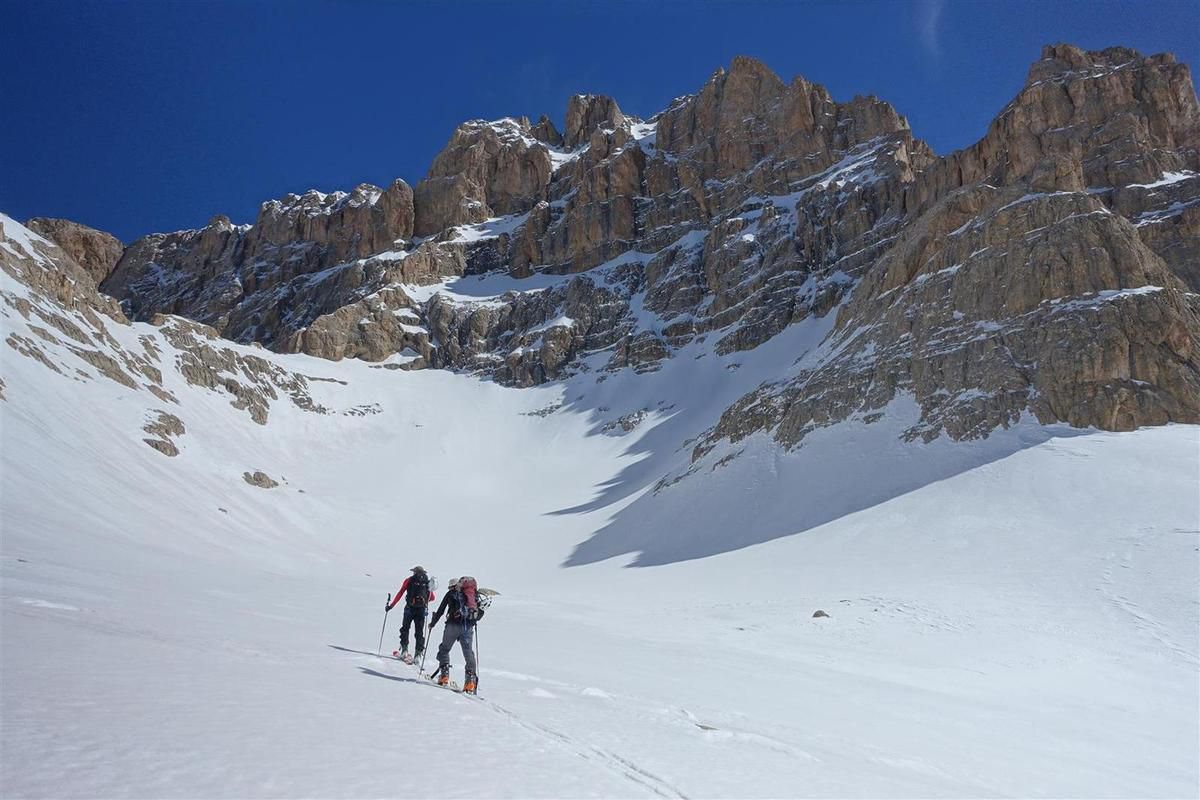 J2 : à la montée, sous le Parmakkaya, puis face à l'Alaca