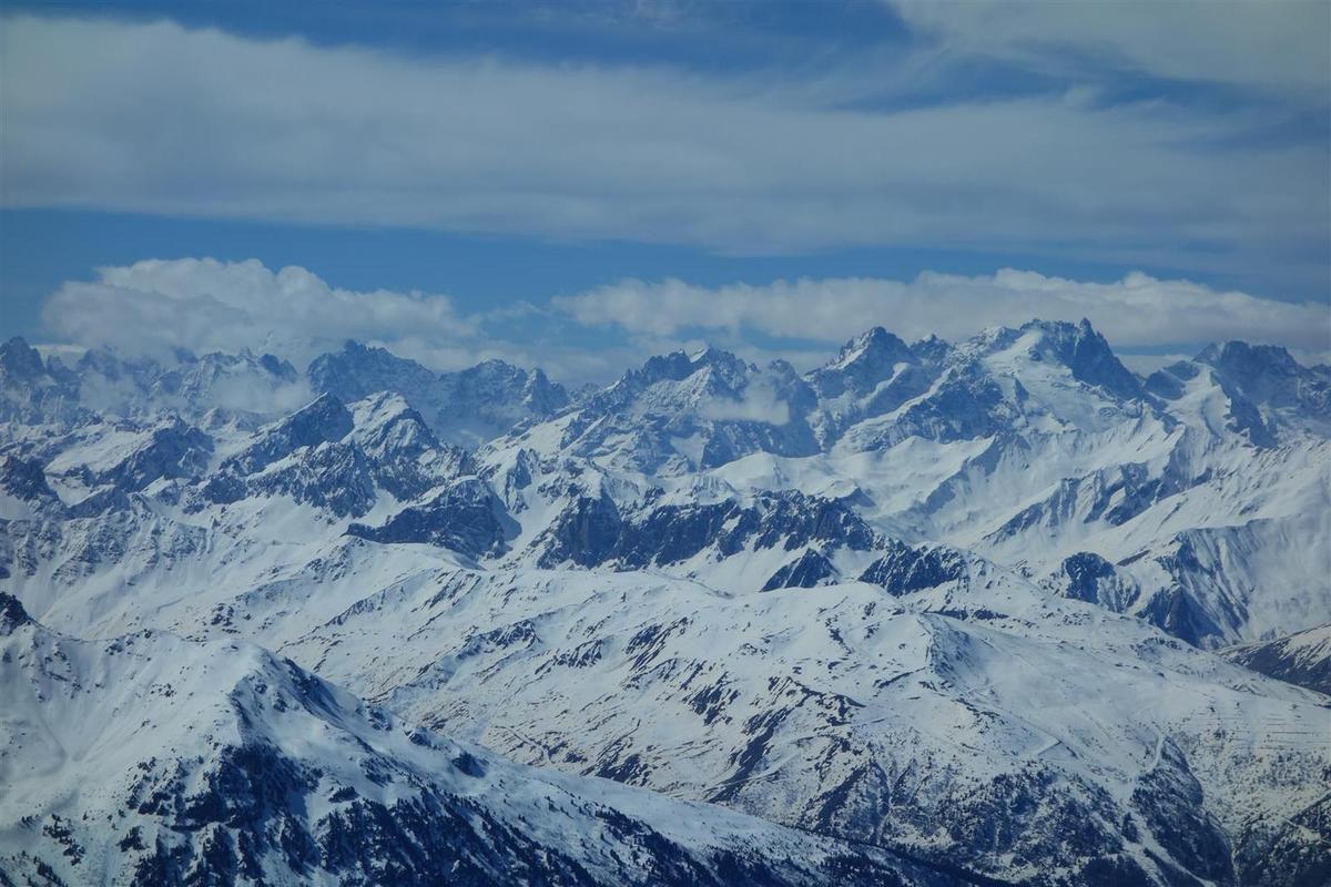 dans la montée sur le glacier de Chavière, vues vers les Ecrins