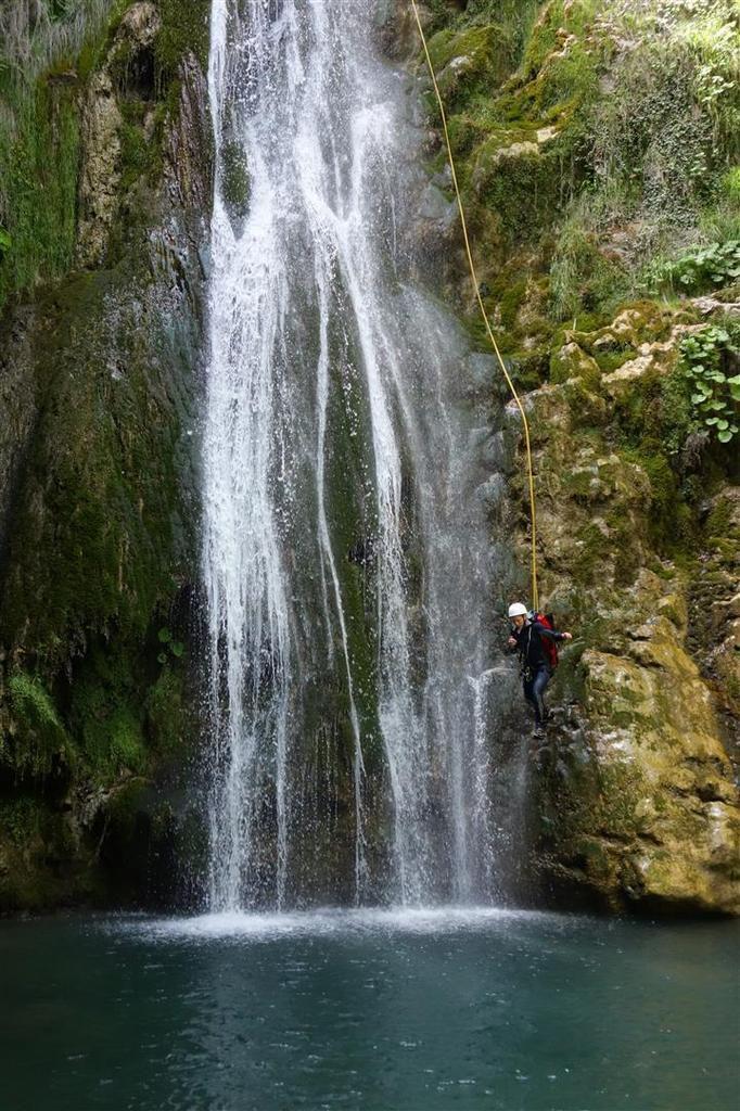 ... avant la dernière cascade de 38 mètres (saut possible pour ceux avec des cordes trop courtes...)