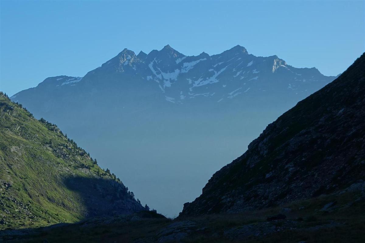 J2 : vues sur les sommets de Vanoise et de Maurienne dans la montée au col des Bataillères