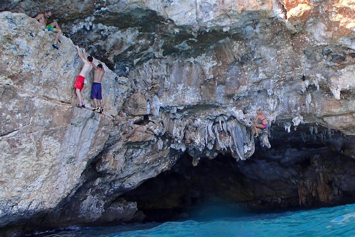 deep water soloing et snorkeling entre Cala Varques et Cala Falco