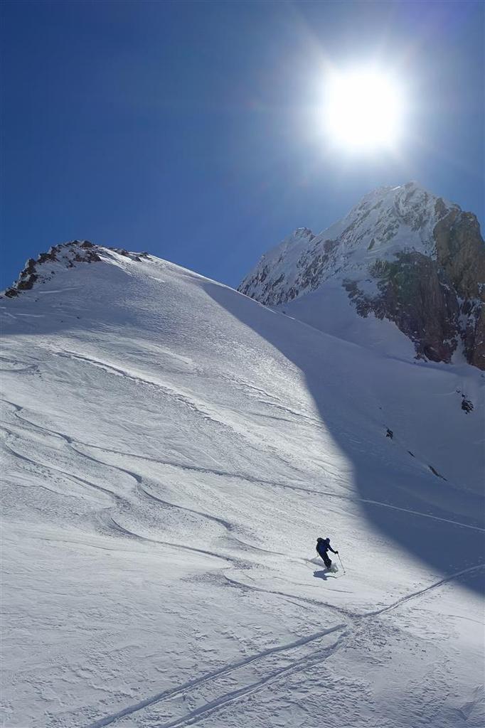bonne poudreuse ou tranfo à la descente du versant ouest du col de Feuillas