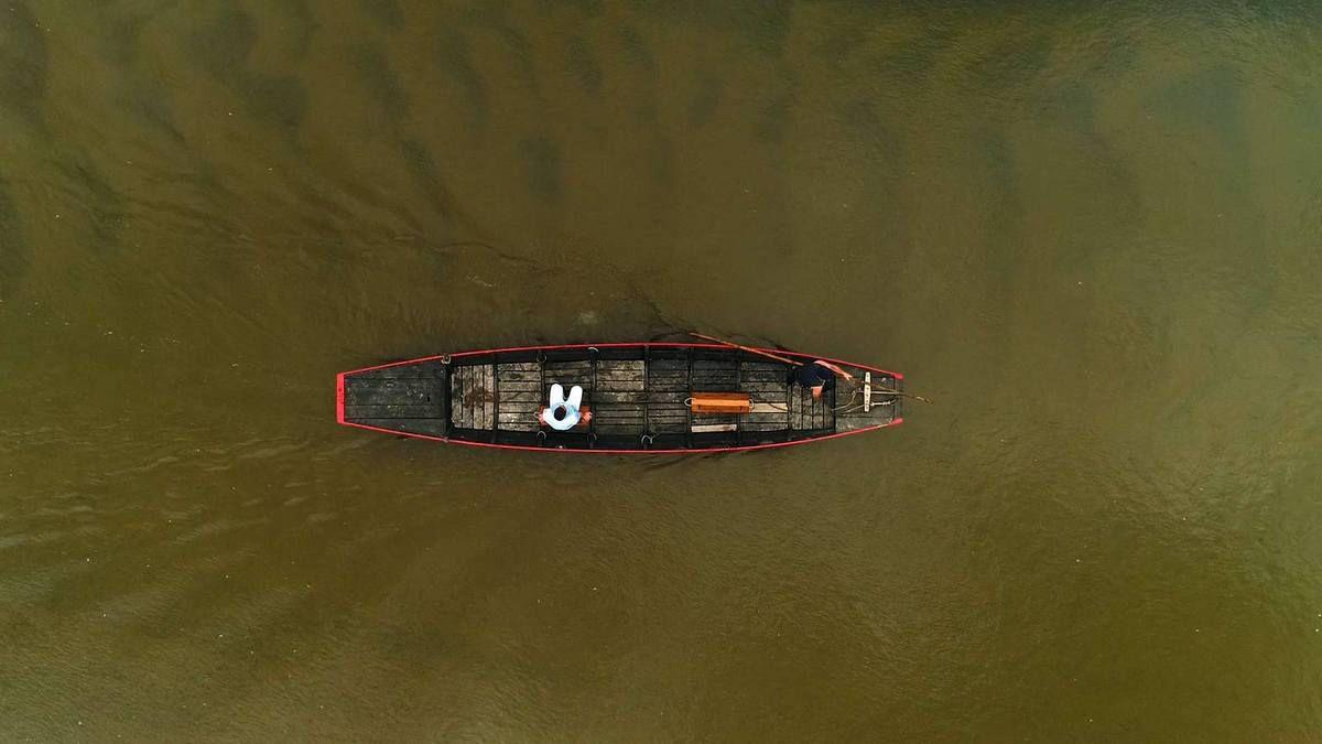 Passage du drone à la verticale, les ondes des sables sont bien visibles
