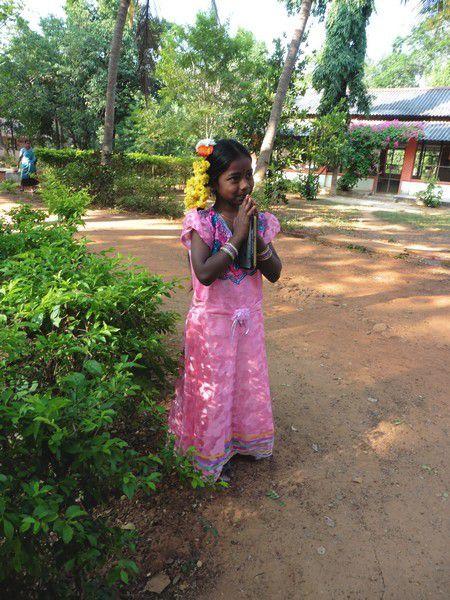 Chapitre 215 : la petite fille en rose et les Bindis