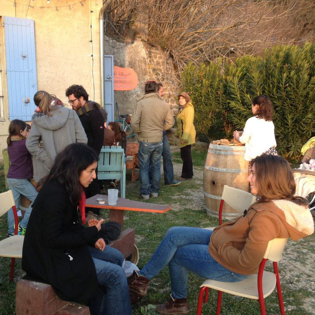 Un Café villageois au Maquis