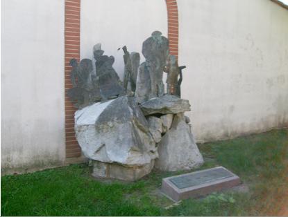 Sculpture de Joan Jordà  en mémoire de l'Exil Républicain et adossée à la Casa de España (Jardin Claude Nougaro)