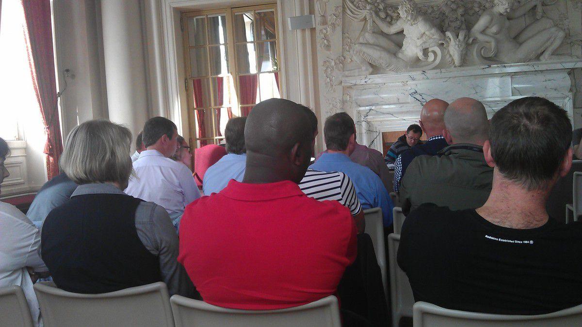 43 agents de la directions de la voirie et de l'éclairage réunis à l'initiative de la CGT et de l'UFICT