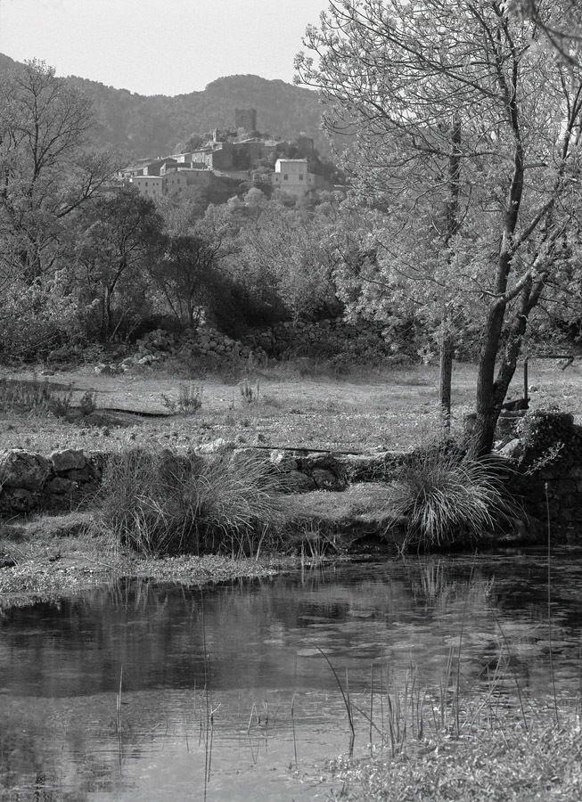 La source de la Bueges pres de Pegairolles-de-Bueges