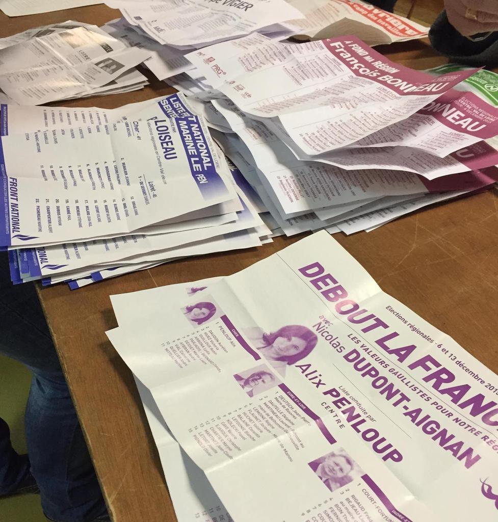 Dépouillement lors du 1er tour des élections régionales 2015