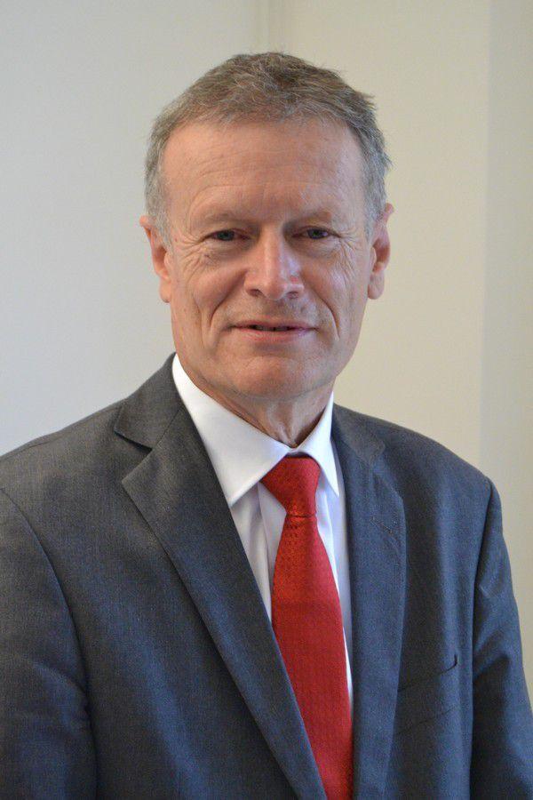 Jean-Pierre Blazy, député socialiste, maire de Gonesse