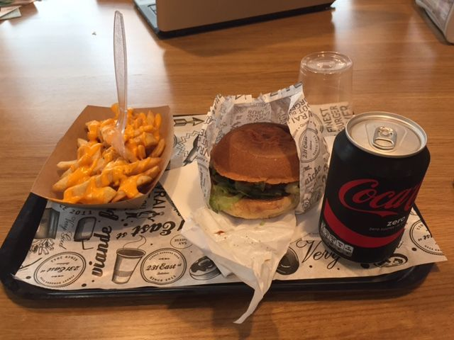 Mon premier burger au 231 East Street ...