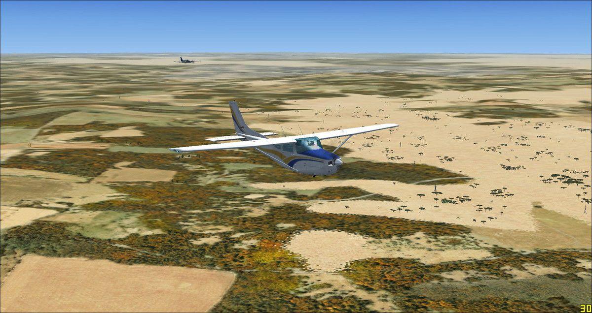 Bial3281 à bord de son Bimoteur Baron58, connecté car ce vol a été réalisé un samedi, rattrape facilement Yquet et son Cessna 182RG avec son moteur de 230 Ch...