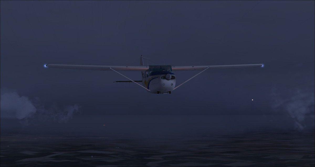 Visuel sur les appareils des pilotes assidus derrière le Cessna 182RG by night....