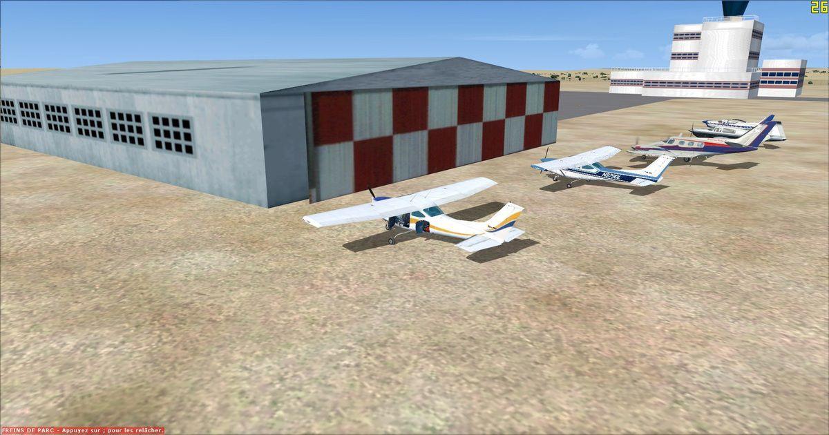 Les cinq appareils devant le hangar qui va les abriter jusqu'au prochain départ...
