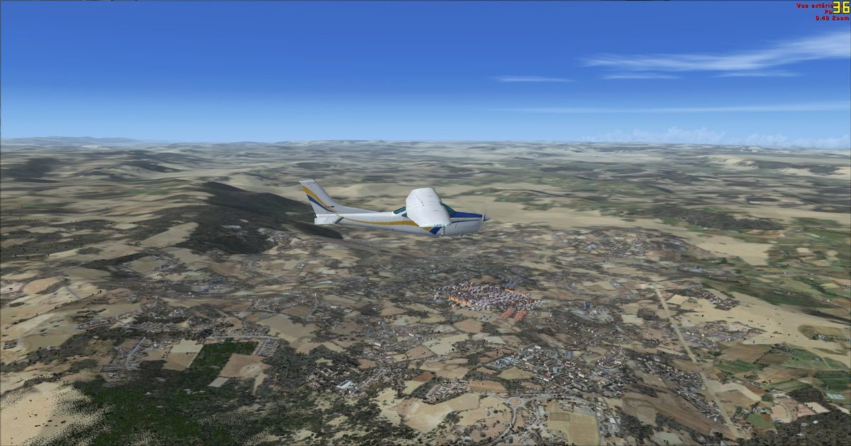 Survol du premier point de cheminement, l'aéroport et la ville de Ifrane...