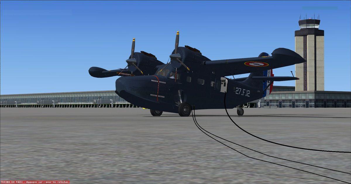 Les dernières vérifications avec une mise sous tention pour le Grumman Goose, devant la tour de contrôle de Dubaï, avant la reprise des vols...