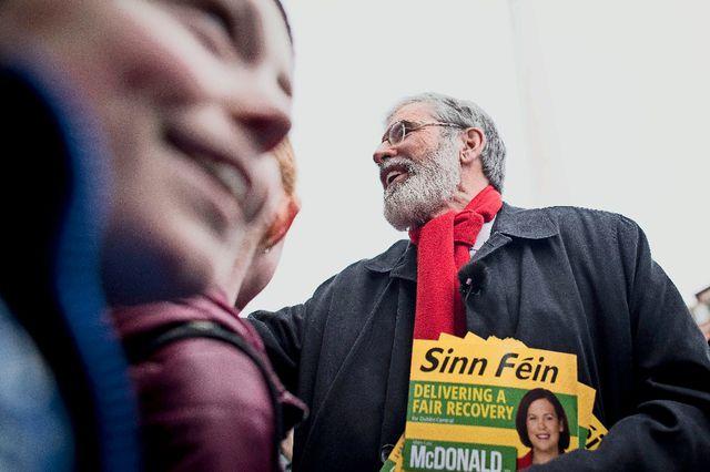 Gerry Adams, président de Sinn Féin, et député au Dail Eireann, durant la campagne électorale (février 2016)