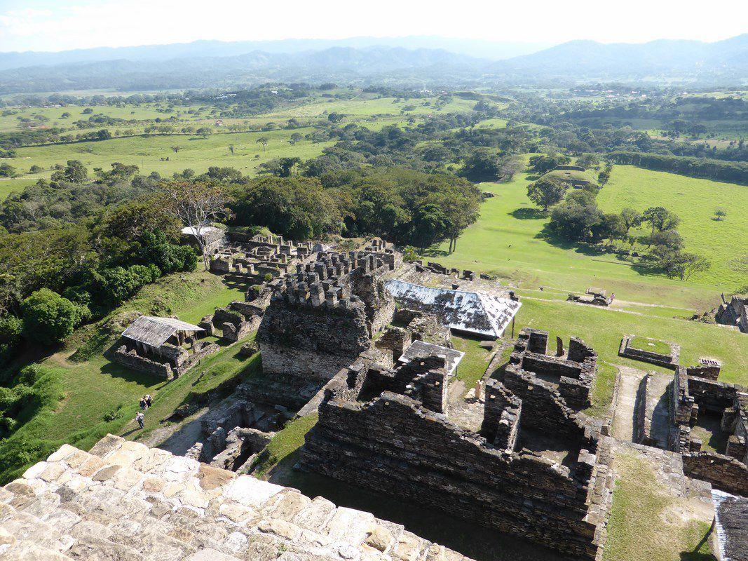 La cité Maya de Tonina. Seuls, sous le cagnard ...