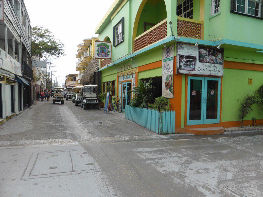 San Pedro, bourg tranquille ... Peut-être ont-ils annoncé un cyclone ?