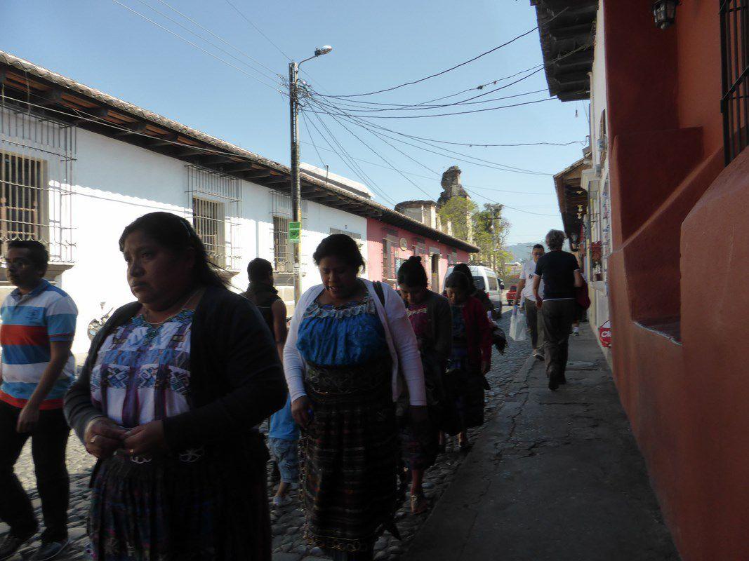 Dans les rues d'Antigua ...