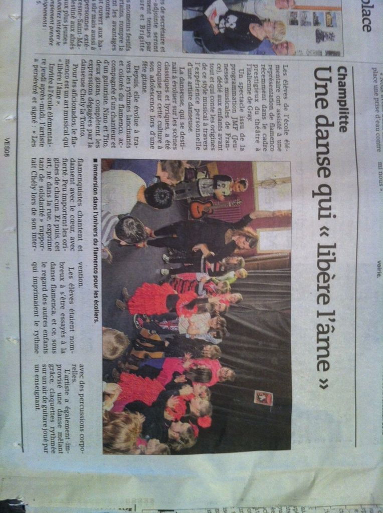 moments de partage à l'école de Champlitte avec les enfants venus nous voir au théâtre de Grey