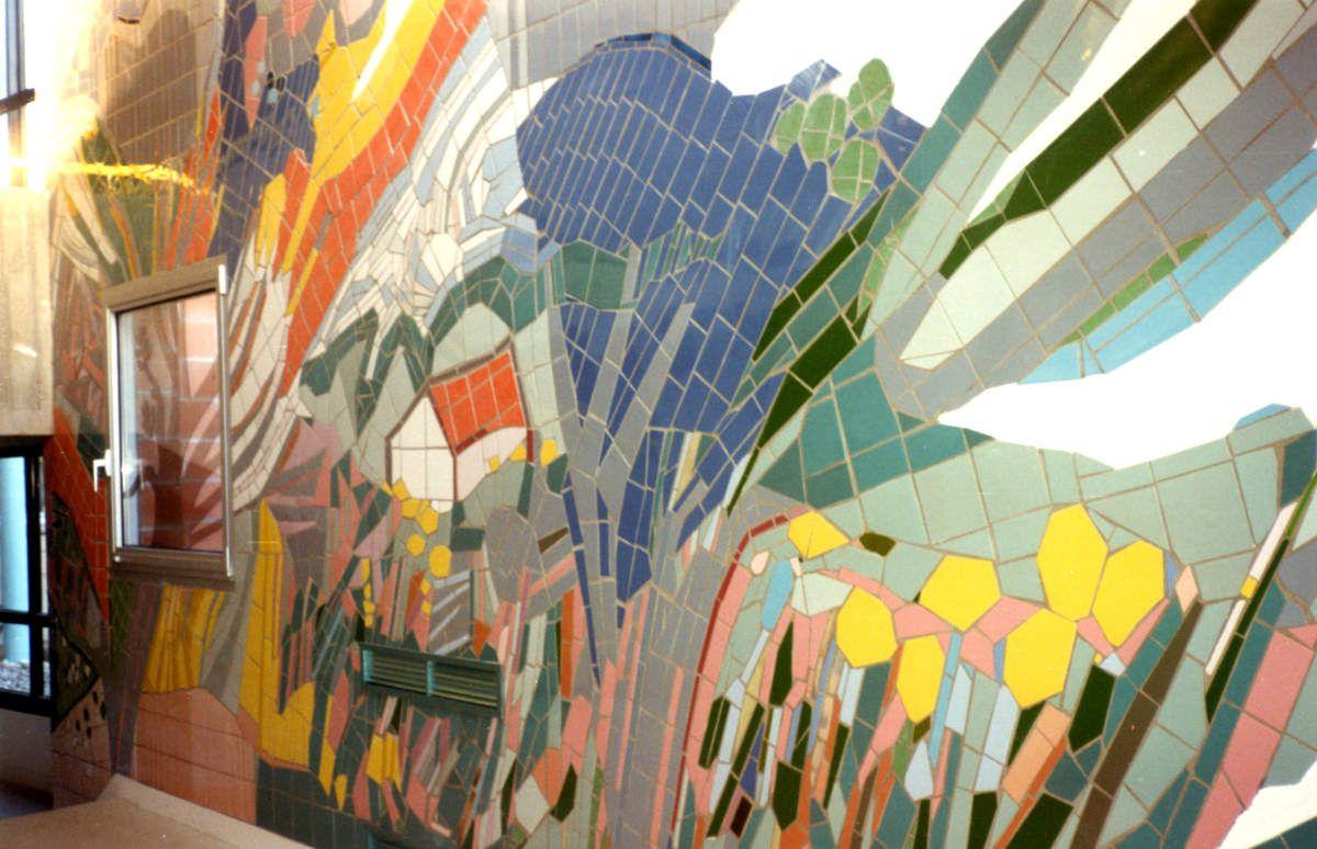 mosaïque de 40m2   Hommage à Van Gogh(détail)     Hall du collège à Mery-sur-oise            copyright ADAGP