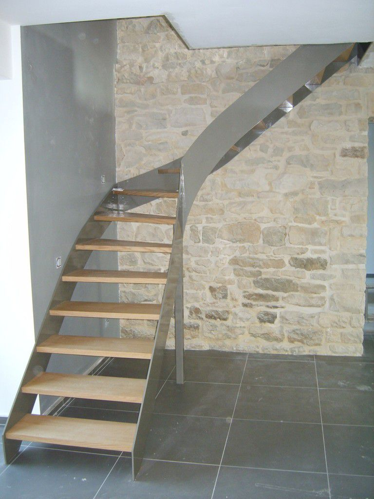 Escaliers menuiserie warnimont jean le couturier de for Photo escalier peint blanc gris