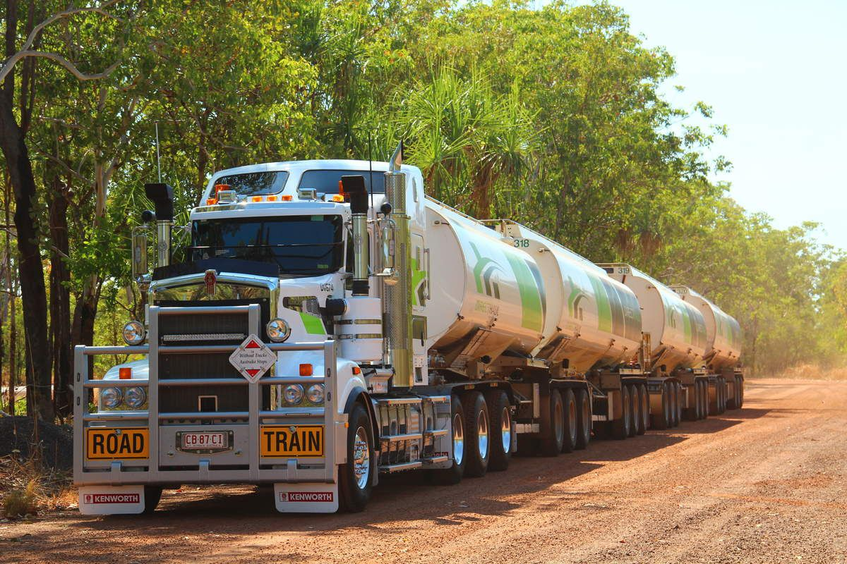 Road train with 4 trailers