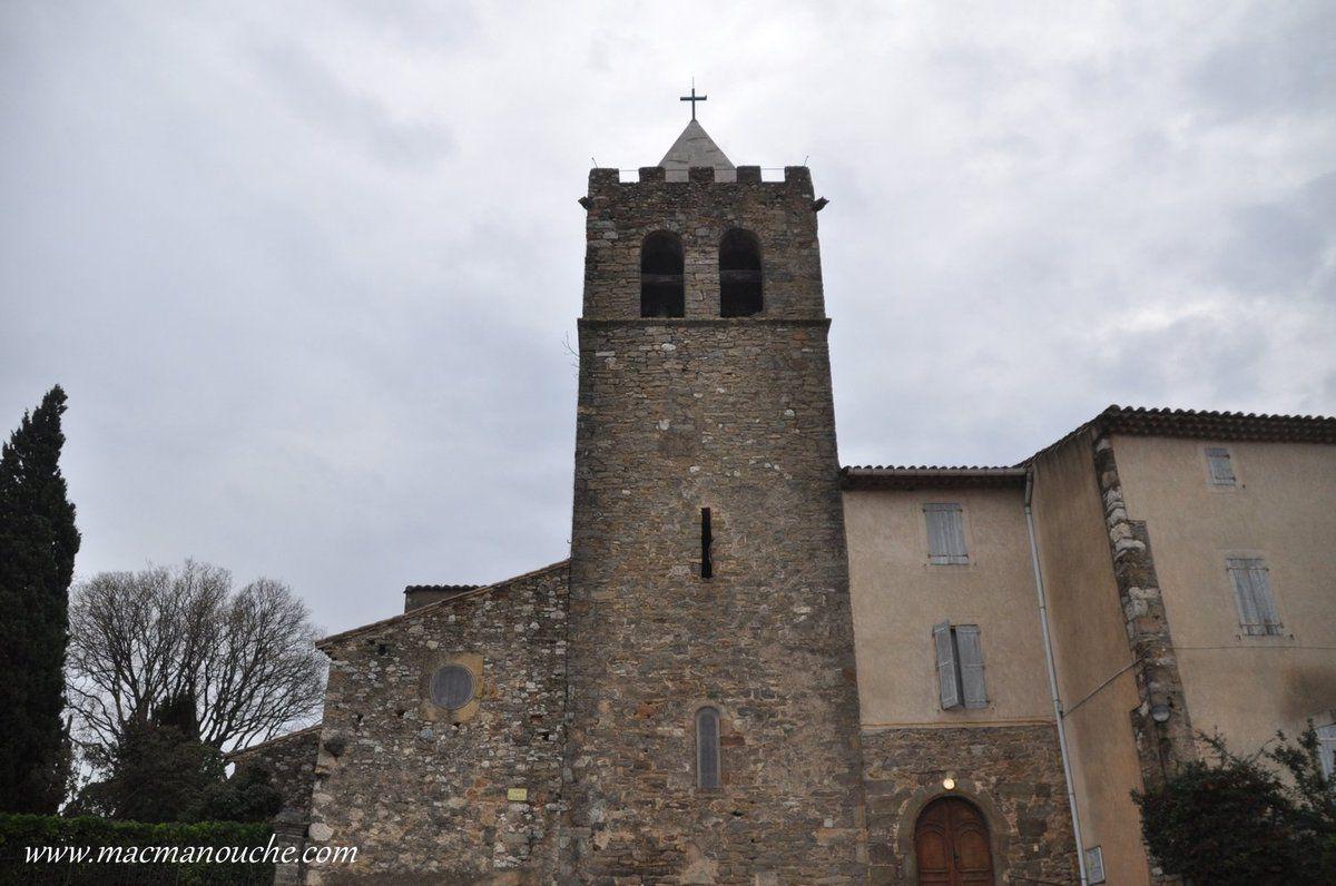 Argeliers, village médiéval doté d'une massive église fortifiée.