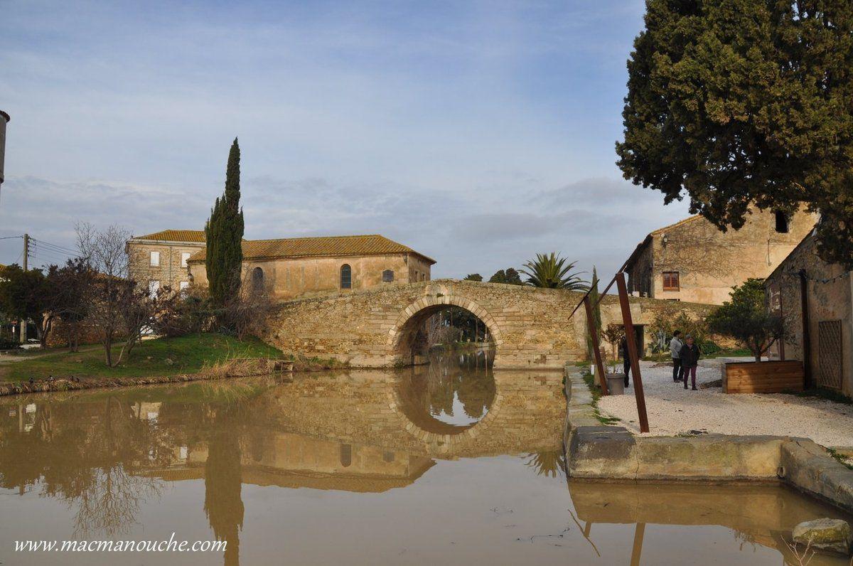 Le Somail est un gros hameau qui existe grâce au Canal du Midi.