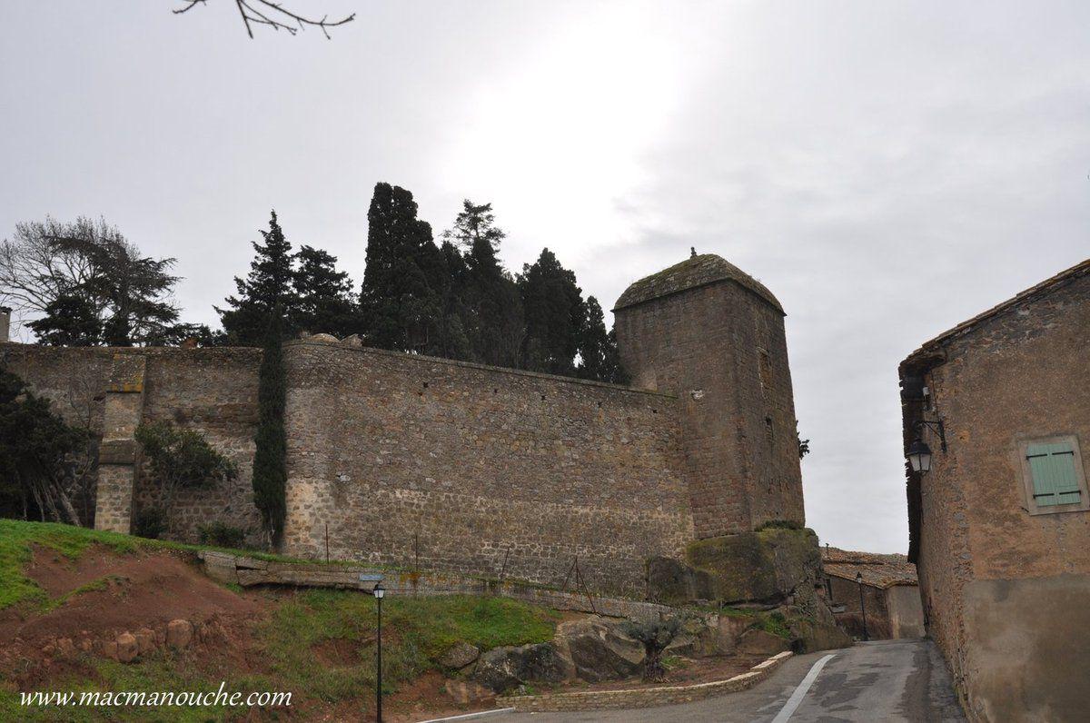 La tour de l'ancien château.