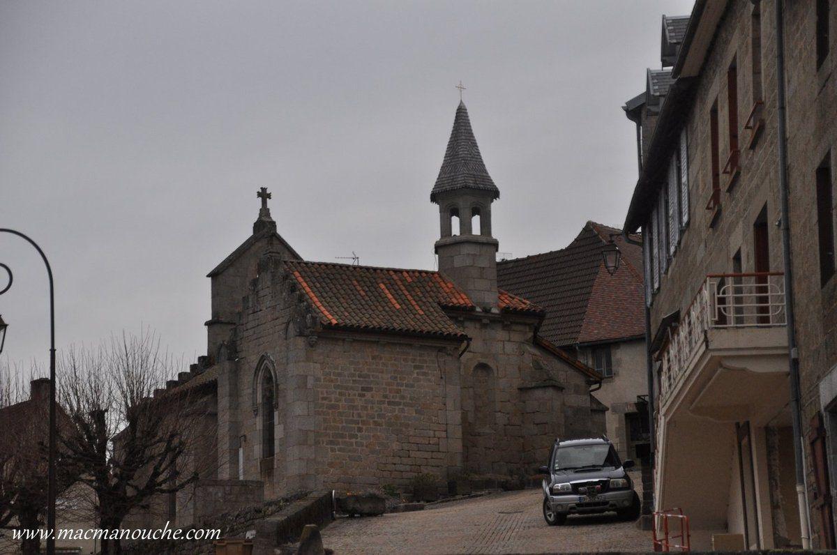 … == > … Cette chapelle a été restaurée aux XVème et XIXème siècles … == > …