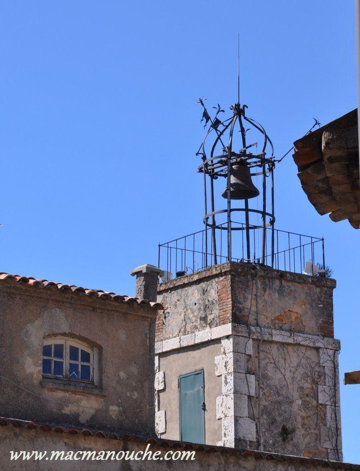 Le campanile.