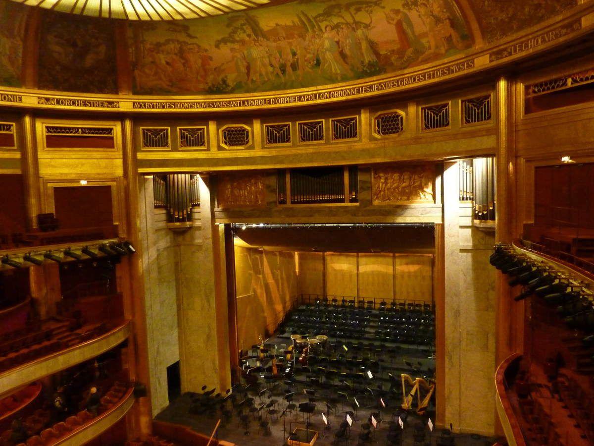 En novembre, visitez le théâtre des Champs-Elysées