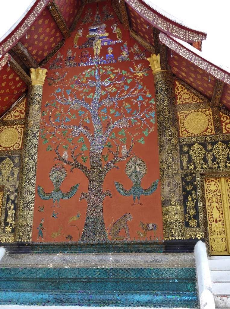 La Vat Xieng Thong et le mont Phousi