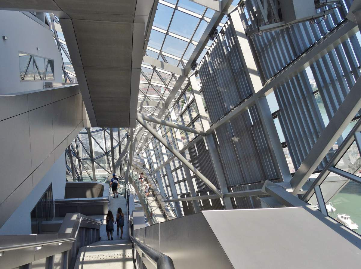 Extérieur et intérieur du musée